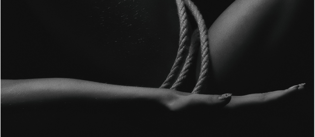 sub in BDSM rope session